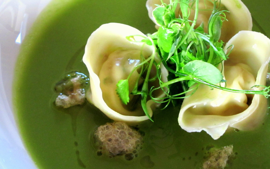Truffled pea soup & crab tortellini w pork crackling